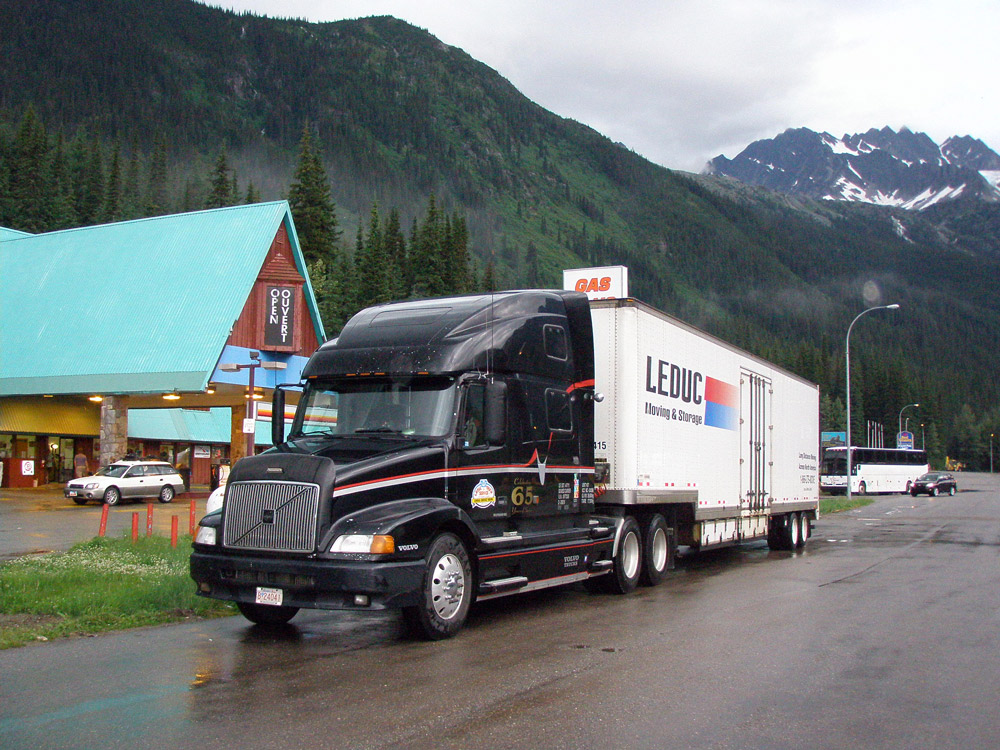 Cross town moving or across the continent, Leduc Moving has you covered
